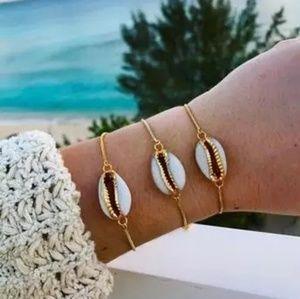 *BOGO* Cowrie Shell Bracelet / Anklet
